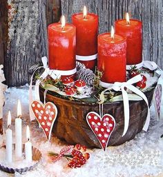 100 Beautiful Romantic Candle Decoration For Valentine's Day – Interior Design Ideas & Home Decorating Inspiration – moercar – Advent Wreath İdeas. Christmas Advent Wreath, Christmas Craft Fair, Christmas Mood, Christmas Candles, Primitive Christmas, Advent Wreaths, Valentines Day Decorations, Valentine Day Crafts, Christmas Decorations