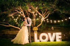Cravos de Amor: Letreiros Luminosos na decoração                              …