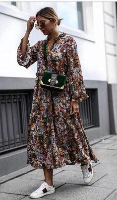 15 Langarm Kleider für den Herbst - Outfit ideas for ageless style - Mode Fashion Mode, Look Fashion, Street Fashion, Winter Fashion, Trendy Fashion, Fashion 2018, Floral Fashion, Street Chic, Milan Fashion