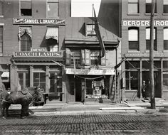 """Circa 1900. """"Betsy Ross house, Philadelphia. Birthplace of Old Glory."""""""