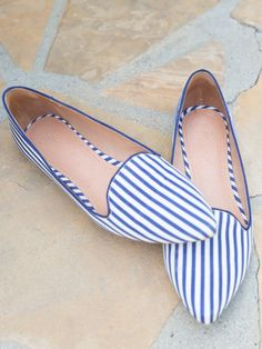Soft point blue striped flats
