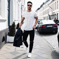 Men street wear, men street styles, mens style style for men, guy sty Instagram Mode, Instagram Fashion, Style Instagram, Instagram Accounts, Mode Masculine, Men Street, Street Wear, Street Style Guys, Street Styles