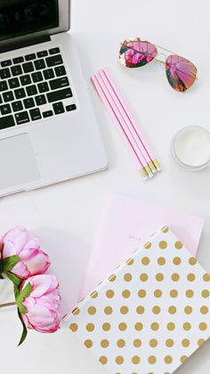 Blog Photos, Blogging, Flat Lays, How to take flat lays, Lifestyle, Photography advice, Photos,
