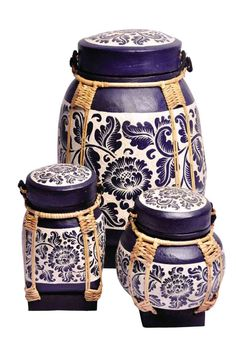 rice box from thailand - favorite by far! Thai Decor, Asian Decor, Asian Baskets, Rice Box, Thai Rice, Kitchen Storage Boxes, Cultural Crafts, Global Home, Lifestyle Store