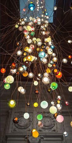 Amazing 30M tall contemporary chandelier by Omer Arbel for the V&A Museum and London Design Festival 2013 | Bocci | 28.280 |