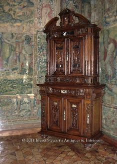 Antique French Cabinet at Chenonceau Castle. As France emerged from the Middle Ages, the romantic era of French Renaissance art and antique furniture began. Antique Furniture For Sale, Antique French Furniture, Victorian Furniture, Old Furniture, Vintage Furniture, Types Of Furniture, Furniture Styles, Medieval Tapestry, Renaissance Era
