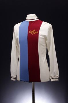 Crystal Palace Football Shirt home) Soccer Kits, Football Kits, Football Cards, Football Soccer, Football Players, Football Things, Classic Football Shirts, Vintage Football, Crystal Palace Football