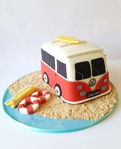 VW Camper - Cake by Baked by Sunshine