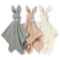 Commandez en ligne le Doudou lapin en mousseline coton Blinkie BO gris ELODIE DETAILS l little-home.fr Découvrez les Peluches tendres et rétro Elodie Details. Cadeaux de Naissance. Livraison soignée.
