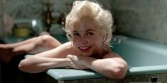 Michelle Williams as Marilyn Monroe. I didn't like the idea of anyone else playing Marilyn (Mira Sorvino in NORMA JEAN AND MARILYN, anyone?), but Michelle Williams nailed it. Kelly Carlson, Marilyn Monroe, Ryan Gosling, Oscar Film, Michelle Williams Hair, Michele Williams, Jorge Fernandez, Gq, My Week With Marilyn