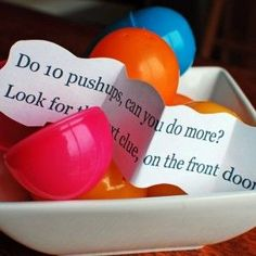 Easter Egg Fitness Treasure Hunt from Super Healthy Kids. Have leftover plastic Easter Eggs? Put them to good use with this fun, fitness treasure hunt! Easter Eggs Kids, Easter Hunt, Hoppy Easter, Easter Party, Easter 2018, Easter Games, Easter Activities, Enrichment Activities, Toddler Activities