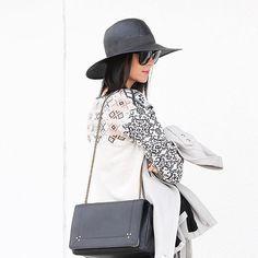 Gorgeous print!  (Photo: @fifideluxeblog)  #fashion #fashiongram #style #love #currentlywearing #lookbook #wiwt #whatiwore #whatiworetoday #ootdshare #outfit #wiw #mylook #fashionista #todayimwearing #instastyle #instafashion