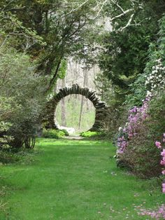 """Nerd Girl Says on Twitter: """"Once again thinkin' about moon gates and how they look like they're passageways to another world.… """" Garden Images, Garden Pictures, Dream Garden, Garden Art, Garden Kids, Garden Drawing, Porch Garden, Cottage Gardens, Herb Garden"""