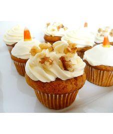 Le cupcake potiron ? Un mélange sucré-salé qui saura vous charmer. http://cupcakeavenue.fr/45-cupcake-sale