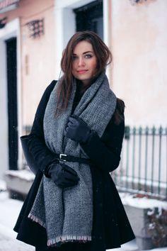 Latest look on:  http://www.karolinabaszak.com/2014/01/snowflake.html