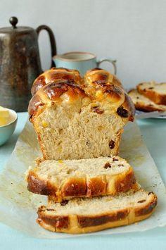 Hokkaido milk bread hot cross bun loaf (tangzhong method)