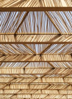 restaurants Assaona Mallorca Textured Screen as roof Bamboo Architecture, Interior Architecture, Interior Design, Ceiling Detail, Ceiling Design, Deia Mallorca, Nature Living, Pavillion, Beach Bars