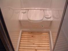 caravan renovation ideas 597712181781556317 - Small RV / Trailers Bathroom Ideas, Source by Interior Motorhome, Kombi Motorhome, Small Camper Interior, Small Rv Trailers, Small Campers, Travel Trailers, Bus Camper, Diy Camper Trailer, Tiny Bathrooms
