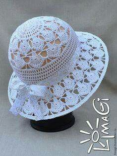 We found a very nice hat model for you. You can learn how to do it by examining the pictures. It is explained in detail.Non-English (Russian maybe?) pattern for purchase. Zapytaj LiveInternet - rosyjskie Diarie… na Stylowi.Crochet Summer or Sunday Bonnet Crochet, Crochet Cap, Crochet Beanie, Knitted Hats, Filet Crochet, Diy Crafts Crochet, Crochet Projects, Sombrero A Crochet, Crochet Summer Hats