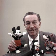 Walt Disney, the mind behind Mickey Mouse, Disneyland and Walt Disney World was born 113 ago today. Disney Quiz, Disney Parks, Walt Disney World, Disney Pixar, Disney Vintage, Retro Disney, Disney Love, Walt Disney Pictures, Walt Disney Quotes