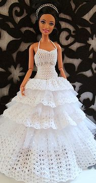 Free Crochet Doll Dress Patterns - Hobbies and Crafts World Crochet Doll Dress, Crochet Barbie Clothes, Knitted Dolls, Knitted Baby, Habit Barbie, Barbie Mode, Barbie Wedding Dress, Barbie Dress, Doll Dresses