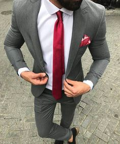 Cool suits, best suits for men, suit styles for men, mens fashion winter Best Suits For Men, Cool Suits, Mens Fashion Suits, Mens Suits, Fashion Vest, Fashion Hoodies, Fashion Guide, Style Costume Homme, Terno Slim