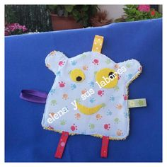 Taggie monster, doudou monstruo, hand made at http://elenaysuslabores.blogspot.com.es/