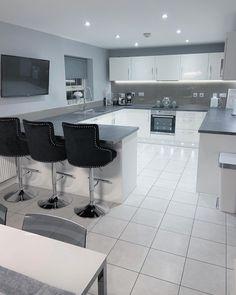 Best Indoor Garden Ideas for 2020 - Modern Kitchen Room Design, Luxury Kitchen Design, Home Room Design, Dream Home Design, Modern House Design, Kitchen Ideas New House, Home Decor Kitchen, Kitchen Interior, House Ideas