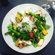 Working Lunch with @tejadinning  #sushi #vegan by justine_dawson