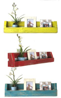 Set of TWO Reclaimed Shelves for books, magazines and more! Natural and other colors available! Rustic Bookshelf, Wall Bookshelves, Pallet Shelves, Book Shelves, Home Decor Furniture, Diy Home Decor, Woodworking Images, Woodworking Plans, Gardens
