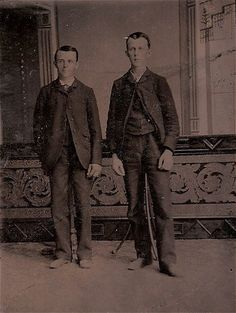 Said to be post-mortem photography (both men are on stands). Interesting, if true, but likely not to be. Gotta love the Internet!