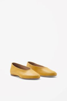 COS Slip-on leather shoes in Yellow