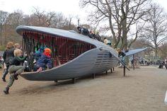 The Blue whale in Gothenburg, Sweden Cool Playgrounds, Playground Design, Playground Ideas, Children Playground, Wie Macht Man, Jungle Gym, Play Spaces, Blue Whale, Bored Panda
