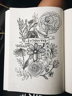 how to draw zentangle Sketchbook Inspiration, Bullet Journal Inspiration, Floral Drawing, Art Floral, Bible Doodling, Easy Drawings, Quote Drawings, Bible Art, Wall Collage
