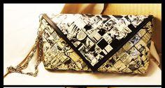 Pochette piccola in carta fumetto fatta a mano di HandyMadeItalia