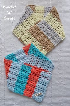 FREE crochet pattern for open cluster cowl, a quick and simple project to carry around with you, find the pattern on crochetncreate. Crochet Scarves, Crochet Hooks, Free Crochet, Double Crochet, Single Crochet, Knitting Patterns Free, Crochet Patterns, Autumn Crochet, Ladies Wear