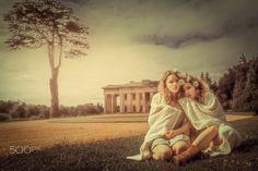 Models Layla and Jesse Fraser Shot at Northington Grange near Winchester, Hampshire UK Hampshire Uk, Sister Friends, S Girls, Girl Model, Winchester, Sisters, Friday, Profile, Couple Photos