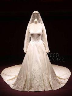 Kate Middleton´s Sarah Burton-designed Alexander McQueen wedding dress...