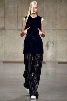J.W.Anderson Fall 2013 Ready-to-Wear Fashion Show - Nastya Kusakina