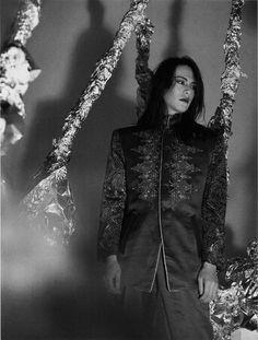 Beautiful Person, Most Beautiful, Emo Fashion, Fashion Art, Pete Burns, Goth Music, Julian Casablancas, Aesthetic Japan, Father Figure