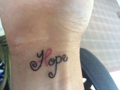 LOVE this creative pink ribbon tattoo for breast cancer! Ovarian Cancer Tattoo, Cancer Survivor Tattoo, Breast Cancer Tattoos, Cancer Ribbon Tattoos, Breast Cancer Nails, Cancer Ribbons, Tattoos Skull, Cute Tattoos, Beautiful Tattoos