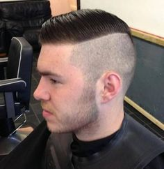 Smooth Swept Classic Comb Over haircut Mens Comb Over Hairstyles, Mens Comb Over Haircut, High Fade Haircut, Popular Mens Hairstyles, Cool Hairstyles For Men, Undercut Hairstyles, Cool Haircuts, Haircuts For Men, Men's Haircuts