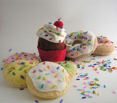 felt cookies with sprinkles | Everythings better with Sprinkles