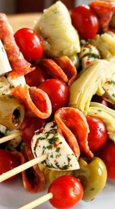 Antipasto Skewers: An Easy Party Food #appetizer #antipasto