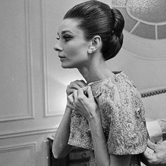 Audrey Hepburn in Givenchy Audrey Hepburn Outfit, Audrey Hepburn Mode, Audrey Hepburn Quotes, Audrey Hepburn Hairstyles, Audrey Hepburn Givenchy, My Fair Lady, Hollywood Glamour, Classic Hollywood, Old Hollywood