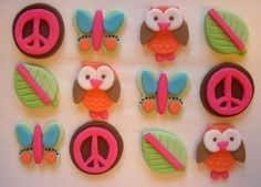Items similar to Fondant Cupcake Toppers - Hippie Chick - Edible Hippie Chick Cupcake Decorations on Etsy Fondant Cupcake Toppers, Cupcake Frosting, Cupcake Cakes, Cup Cakes, Pretty Cupcakes, Fun Cupcakes, Cupcakes Design, Cupcakes Lindos, Fairytale Birthday Party
