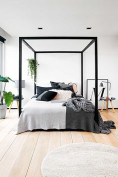 Minimalist Home Interior Bedroom minimalist home exterior mid century.Minimalist Home Interior Bedroom minimalist living room small white kitchens.Colorful Minimalist Home Ceilings. Bedroom Black, Interior, Home Decor Bedroom, Home Bedroom, Home Decor, Minimalist Bedroom, Modern Bedroom, Minimalist Home, Scandinavian Style Bedroom