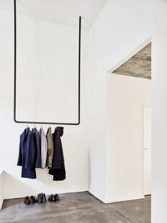 home entry idea  |  minimalist goods delivered to you quarterly @ minimalism.co  |  #minimal #style #design