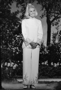 A Salute To Doris Day's Cheerfully Feminine Style On Her Birthday (PHOTOS)