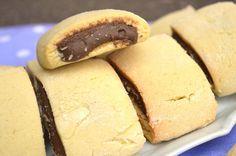 A colazione porta in tavola i biscotti tipo nascondini alla Nutella Bimby fatti in casa! I famosi biscotti del Mulino Bianco con cuore al cioccolato...